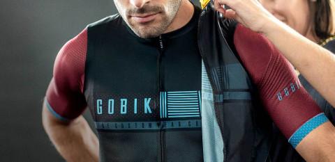 Gobik aparca el ciclismo para fabricar batas médicas y mascarillas