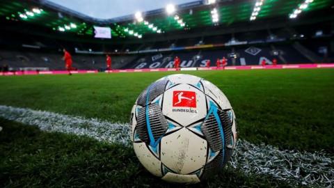 Fútbol: silencio misterioso en los estadios mientras la Bundesliga se reinicia